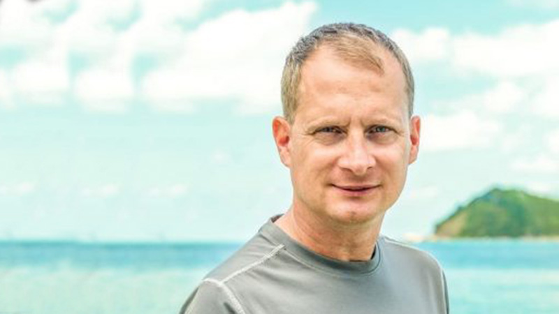 Dank Online-Business und Dividenden mit der Familie die Welt bereisen – Alex Fischer